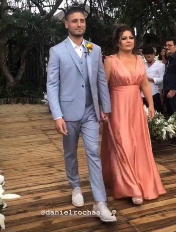 Vestido da mãe do noivo by Arthur Caliman