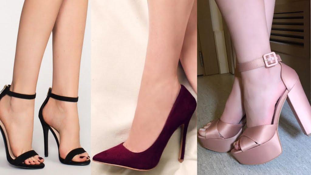 As sandálias refinadas, scarpins e peep toes são os calçados mais indicados para combinar com vestidos longos em casamentos.