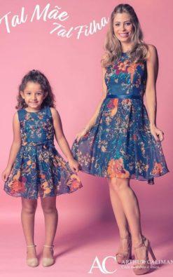 Vestido de Festa Infantil Curto estampado coordenado tal mãe tal filha