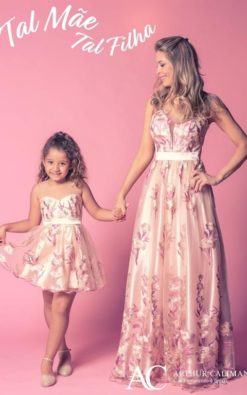 Vestido de Festa Infantil Curto Romântico tal mãe tal filha