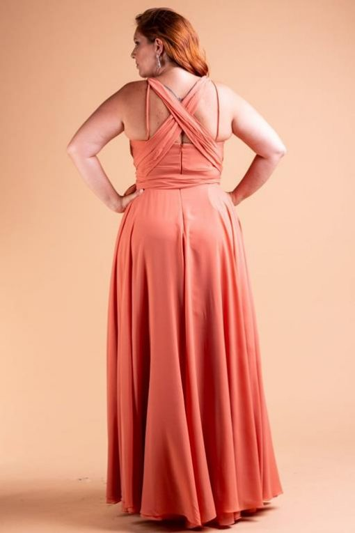 Vestido de Festa Plus Size decote reto com faixas saia rodada