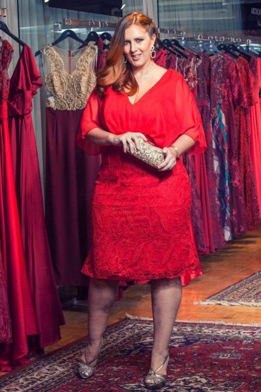 Vestido de Festa Plus Size Midi Decote em V vermelho