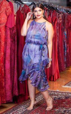 Vestido de Festa Curto Plus Size Cava Americana