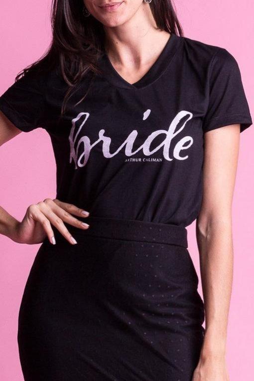camiseta-preta-para-noiva-bride
