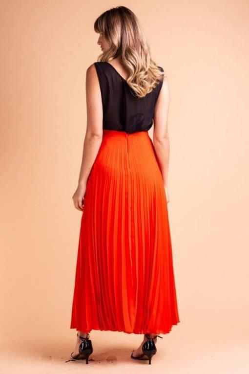 saia-plissada-laranja-longa